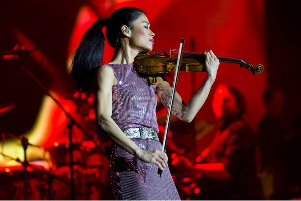 Vanessa-Mae enjoying herself in front of an enthusiastic crowd while visiting Bratislava