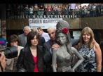 socha Amy Winehouse v Camden Town